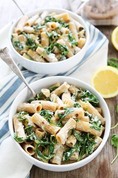 Lemon Arugula Pasta with Burrata. Lemon Arugula Pasta with Burrata Recipes You only need seven ingredients and 30 minutes to make this simple and flavorful pasta dish. It is great for busy weeknights,. Easy Pasta Recipes, Pasta Salad Recipes, Dinner Recipes, Easy Meals, Dinner Ideas, Easy Vegetarian Dinner, Vegetarian Recipes, Cooking Recipes, Healthy Recipes