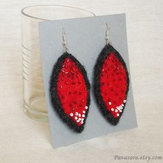 Red gray fiery felt earrings - Embroidered with beads - Long lightweight dangling and elegant