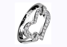 Heart-shaped engagement ring #Jewelry