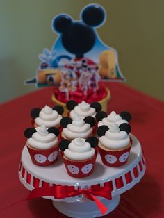 #mickey mouse Clubhouse cupcakes