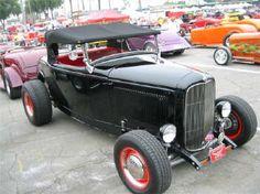 HotRod HotLine ~ 40th Annual L.A. Roadster Show & Swap Meet ~ June 2004