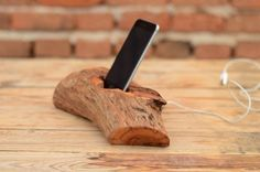 Wood+iPhone+dock,+iPhone+6+stand,+Samsung+docking+station,+Wooden+phone+holder,+Best+Tech+Gift,+Handmade+iPhone+dock+stand,+Natural+wood