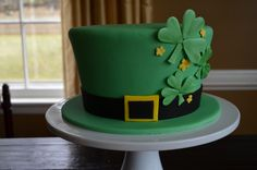 St. Patrick's Day cake - Fresh lemon cake with lemon buttercream