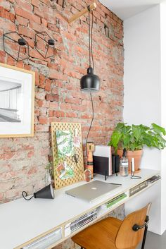 55 Extraordinary Home Office Design Ideas With Brick Walls – Modern Office Design Circular Buildings, Loft Office, Office Walls, Office Wallpaper, Modern Office Design, Brick Loft, Workspace Design, Attic Spaces, Beautiful Homes
