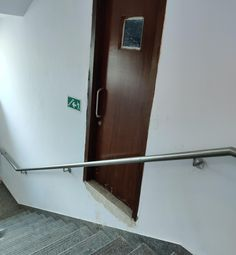 Dumb Design Fails that Didn't Go as Planned - The internet has generated a huge amount of laughs from cats and FAILS. And we all out of cats. Design Fails, Top Freezer Refrigerator, Dumb And Dumber, Kitchen Appliances, Shit Happens, How To Plan, Storage, Home Decor, Funny