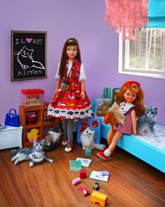 A collection of vintage Barbie diorama images by Dolly Good Time, featuring Barbies and Ken Barbie Barbie Cat, Barbie Room, Play Barbie, Barbie Doll House, Barbie Life, Barbie World, Barbie And Ken, Barbie Sisters, Barbie Family