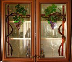 Szőlő mintás szekrényajtó - üvegfestés