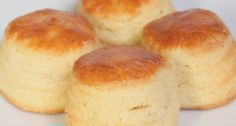 Túrós pogácsa recept Hungarian Desserts, Hungarian Cake, Hungarian Recipes, Hungarian Food, English Bread, English Food, Bread Dough Recipe, Salty Cake, Snacks
