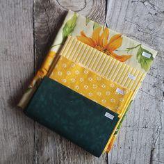 Zbytkový balíček látek žlutozelená slunečnice Bags, Fashion, Scrappy Quilts, Handbags, Moda, Fashion Styles, Fashion Illustrations, Bag, Totes