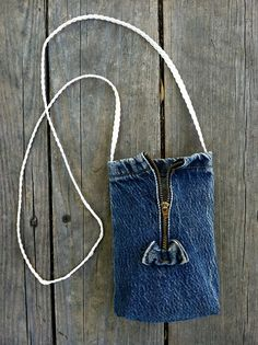 Cute Vintage denim purse with zipper and bow by yardshow on Etsy, $18.00
