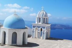 10 tips to discover the amazing town of #Oia, #Santorini.