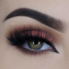 DESIRED Amazing False eyelashes.