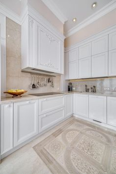 Decor, White Kitchen, Interior, Apartment Design, Kitchen Cabinets, Home Decor, Room Inspiration, Kitchen, White Kitchen Interior