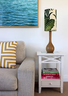Vic Bibby's home.  Love the ocean print and the fabulous lamp.