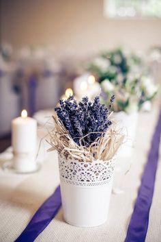 Svatební tabule levandulová :: Květiny Kamélie svatbyhavirov.cz Provence, Table Decorations, Flowers, Wedding Ideas, Eyes, Home Decor, Decoration Home, Room Decor, Royal Icing Flowers