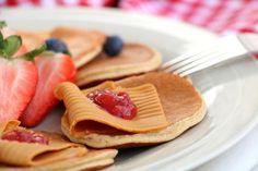 Sunne, saftige havrelapper - LINDASTUHAUG Pancakes, Baking, Breakfast, Ethnic Recipes, Desserts, Morning Coffee, Deserts, Crepes, Pancake