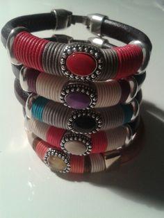 Pulseras regaliz con piedras de colores en hilo de algodon de colores