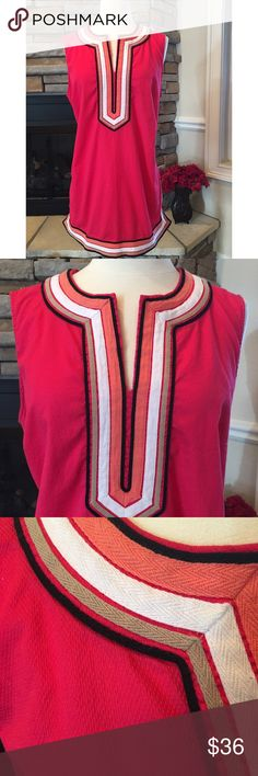 Dana Buchman Tunic This is a gorgeous Tunic. Beautiful dark pink color. Washes great, beautiful material, hidden side zip. Longer Tunic, would look beautiful with white jeans! Dress this up or down. Love this color for the summer 🌺 Dana Buchman Tops Tunics