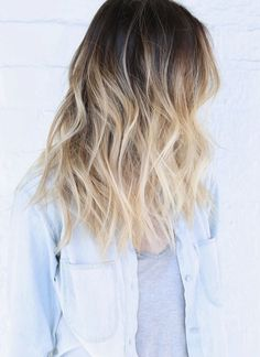 A very pretty blonde ombre with gentle waves. A nice summer look