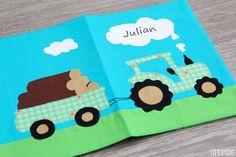 stitchydoo: U-Heft Hülle mit Traktor für Jungs