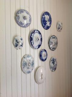Old china wall! China Wall, Decorative Plates, Home Decor, Decoration Home, Room Decor, Interior Decorating