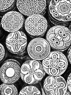 black and white pottery from morocco islamic art pinterest geschirr kreativ und sch ner. Black Bedroom Furniture Sets. Home Design Ideas