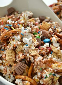 Loaded Candy Bar Popcorn + Popcorn Party Giveaway - Sugar Dish Me