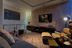 PUB BOLA : Salas multimídia modernas por Lucas Lage Arquitetura
