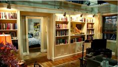 a post from Hooked on Houses about the set of Alicia's apt on The Good Wife!