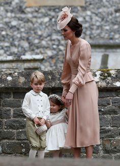 "Kate Middleton e os filhos após a cerimônia (Foto: Getty Images) - ""LITTLE PRINCE are you an happy boy???"""