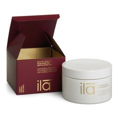 With Himalayan salt crystals, rose water and essential fatty acids to heal and hydrate, and antioxidants to fight wrinkles. Restore hydration, tone and radiance to tired, listless skin with this mineral-rich green clay mask. Green Clay, Healing Oils, Beauty Boutique, Clay Masks, Perfect Skin, Luxury Beauty, Designer, Spa, Skin Care