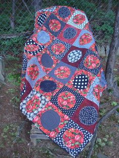 Black White and Red Poppy Modern Quilt by Jackiesewingstudio, $190.00 #etsy #handmade #thehotbobbin