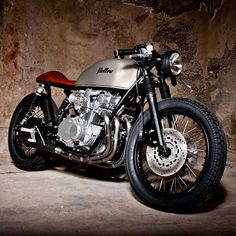 CAFE RACER Suzuki GS550 More