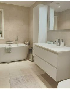 Bad am Boden - - Bathroom With Shower And Bath, Brown Bathroom, Shower Tub, Bathroom Inspo, Bathroom Inspiration, Bathroom Design Luxury, Bad Inspiration, Family Bathroom, Beautiful Bathrooms