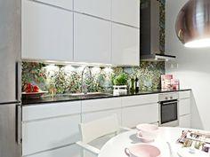 fliesenspiegel glas glänzend küchenrückwand spritzschutz küche blumenmuster