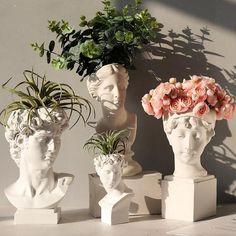 Resin Flowers, Flower Vases, Flower Arrangement, Diy Flowers, Greek Goddess Statue, Indoor Flower Pots, Head Planters, Vase Crafts, Flower Stands