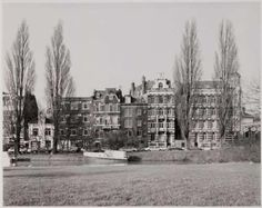1950's. View of the Plantage Muidergracht in Amsterdam seen from the…