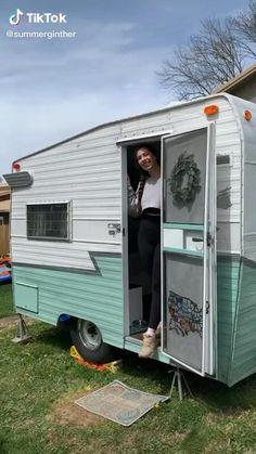 Shasta Camper, Tiny Camper, Camper Life, Home Made Camper Trailer, Small Camper Vans, Motor Casa, Travel Trailer Floor Plans, Camper Interior, Trailer Interior
