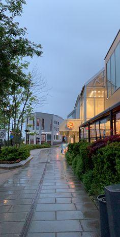 #burgerking #rain #rainydays #pretty #city #citylights #late #evening #nighttime #cloudy #norway