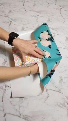 Diy Crafts Hacks, Diy Crafts For Gifts, Paper Crafts, Creative Gift Wrapping, Creative Gifts, Diy Gift Wrapping Paper, Gift Wrapping Tutorial, Elegant Gift Wrapping, Gift Wrapping Techniques