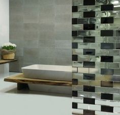 A decorative glass partition is a great way to divide space, create nooks and enhance privacy - and the ones created by Poesia are something to admire. Glass Wall Design, Interior Walls, Interior Design, Modern Furniture, Furniture Design, Glass Brick, Glass Walls, Glass Partition, Glass Bathroom