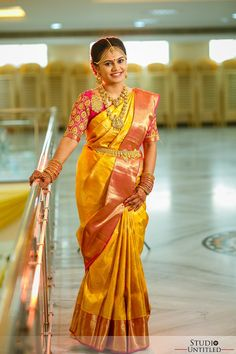 Excellent Wedding Ever Pattu Sarees Wedding, Wedding Saree Blouse Designs, Pattu Saree Blouse Designs, Fancy Blouse Designs, Bridal Sarees South Indian, Bridal Silk Saree, Indian Bridal Fashion, Indian Sarees, Wedding Saree Collection