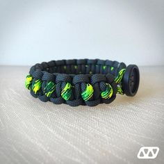 WEBSTA @ houseofcords - Solomon Slanted Path with button closure. Anthracite and Gecko.#solomon_slanted_path #anthracite #gecko #button #paracord #paracord550 #paracordbracelet #paracord_bracelet #paracord_survival_bracelet #paracordsurvivalbracelet #bracelet #survival #survivalbracelet #survival_bracelet #fashion #handmade #hand_made #houseofcords #house_of_cords #made_with_love #madewithlove #madeinitaly #made_in_italy #picoftheday #instagood #photooftheday #wristporn