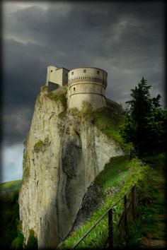 The 15th century Fortress San Leo, is a spectacular cliff top fortress which dominates the Marecchia Valley in Italy.