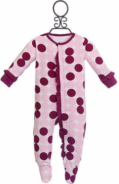 Sweet Bamboo Pajamas for Baby Girls with Dots (Newborn) Baby Boy Fashion, Toddler Fashion, Baby Gown Design, Step Kids, Step Children, Baby Girl Boutique, Kids Outfits, Cute Outfits, Baby Shower Gifts For Boys