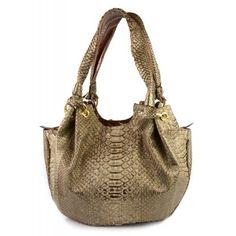 Bolso de piel de serpiente www.sanci.es Bags, Fashion, Handbags, Moda, Fashion Styles, Taschen, Purse, Fashion Illustrations, Purses