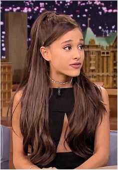 Ariana Grande's half-up half-down ponytail during her interview at The Tonight Show Starring Jimmy Fallon on March 20, 2015.