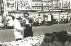 Uma linda foto dos perfumes em São Paulo/SP. Mercado de flores no largo do Arouche em 1942.  (Foto e texto Internet saudadesampa.nafoto.net).