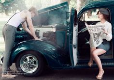 "A great ""Bonnie & Clyde"" engagement session by Three Nails Photography <3                                                                                                                                                                                 Más"
