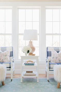 10 Books You Need in Your Home Blush Pink Living Room, Bright Living Room Decor, Living Room Decor Inspiration, Formal Living Rooms, Interior Inspiration, Living Spaces, Little Girl Rooms, Living Room Designs, Heart